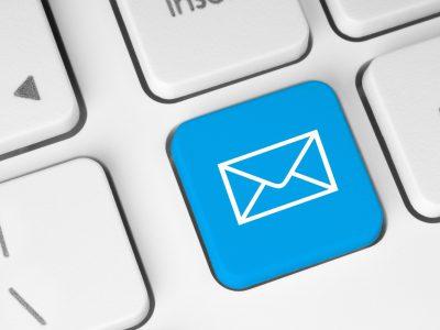 Gửi email để kiểm tra tình trạng hồ sơ